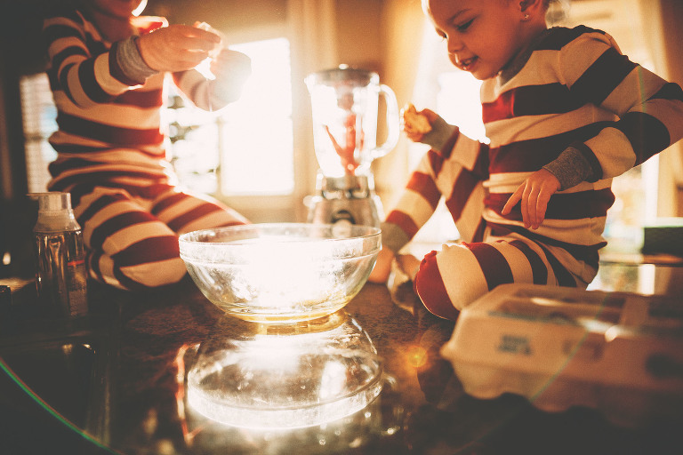 Children make cookies | Holiday Lifestyle Session | Sweet Beginnings Photography by Stephanie