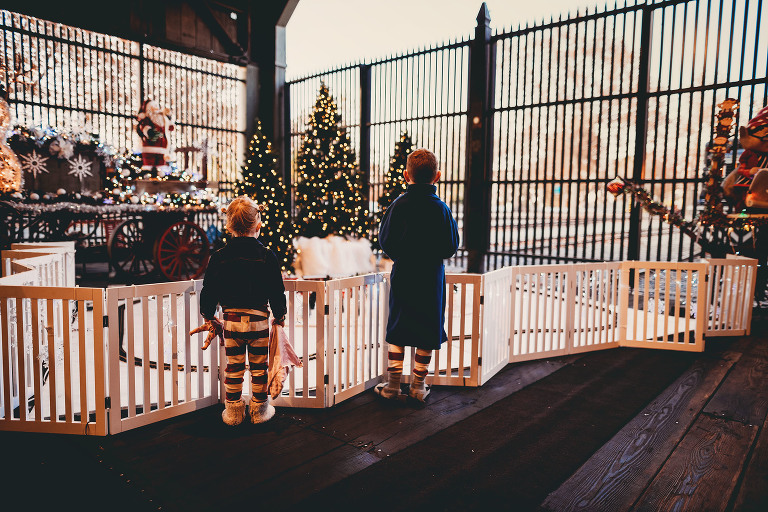 Children look at the snow | Sweet Beginnings Photography by Stephanie | Polar Express